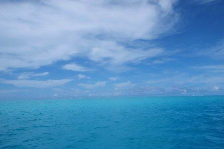 カヤンゲル 海 地平線